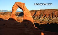 Arches National Park: Delicate Arch at sunset