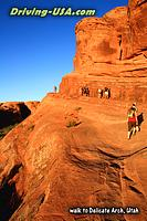 Sunset hike to Delicate Arch